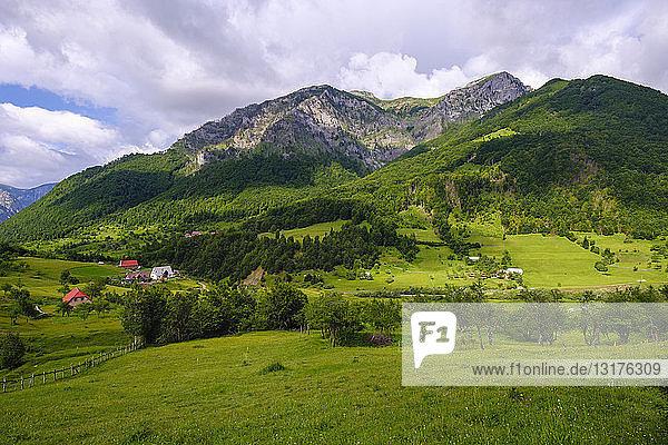 Albanien  Grafschaft Shkoder  Albanische Alpen  Region Kelmend  Lepushe