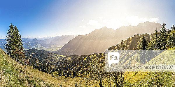Deutschland  Bayern  Blick von der Rossfeld-Panoramastraße