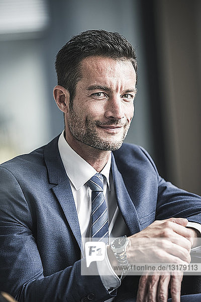 Porträt eines erfolgreichen Geschäftsmannes
