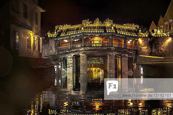 Vietnam  Hoi An  Chua Cau  japanische Brücke bei Nacht