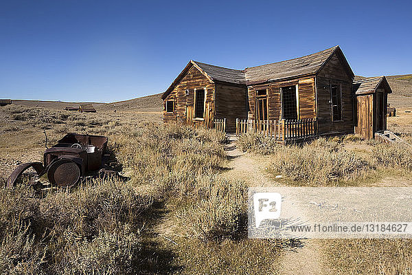 USA  California  Sierra Nevada  Bodie State Historic Park  old wooden house