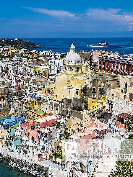 Italien  Kampanien  Golf von Neapel  Phlegräische Inseln  Insel Procida  Hafen  Marina di Corricella