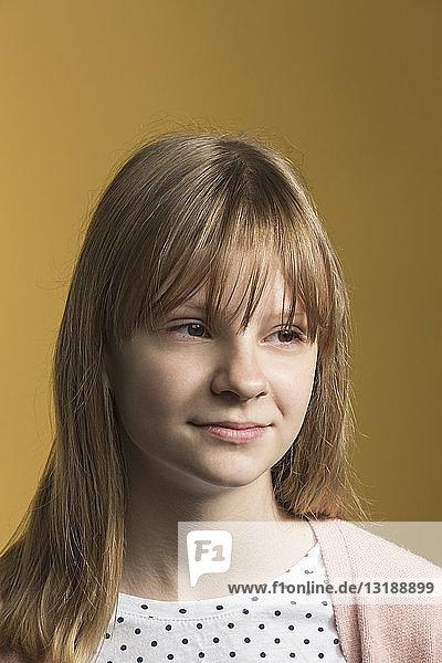 Porträt selbstbewusstes Tween Girl