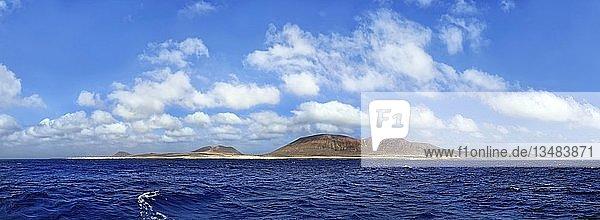 Ausblick auf Insel La Graciosa  Lanzarote  Meerenge El Rio  Kanarische Inseln  Spanien  Europa