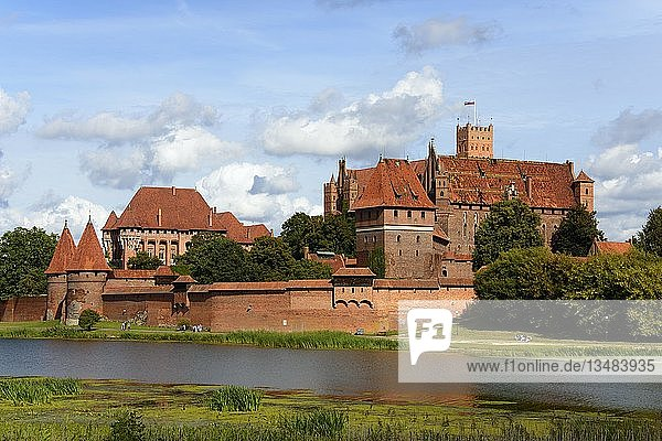 Marienburg  Fluss Nogat  Malbork  Pommern  Polen  Europa