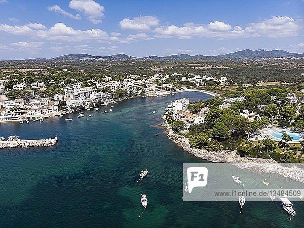 Luftaufnahme  Häuser und Villen  Küste von Porto Petro  Region Cala d'Or  Mallorca  Balearen  Spanien  Europa