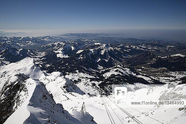 Ausblick vom Säntis zur Talstation auf der Schwägalp  Kanton Appenzell-Ausserrhoden  Schweiz  Europa