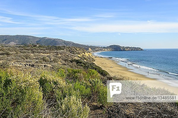 Blick auf den Sandstrand  Küstenschutzgebiet  Crystal Cove State Park  Orange County  Kalifornien  USA  Nordamerika