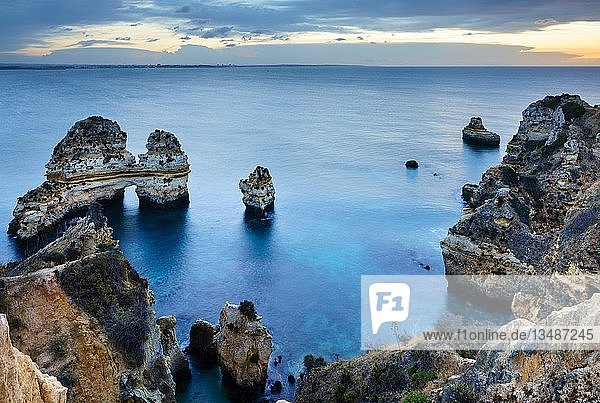 Felsenküste Praia do Camilo  Morgenstimmung  Lagos  Algarve  Portugal  Europa