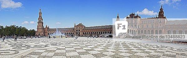 Prachtbauten auf der Plaza de España  Panorama  Sevilla  Andalusien  Spanien  Europa