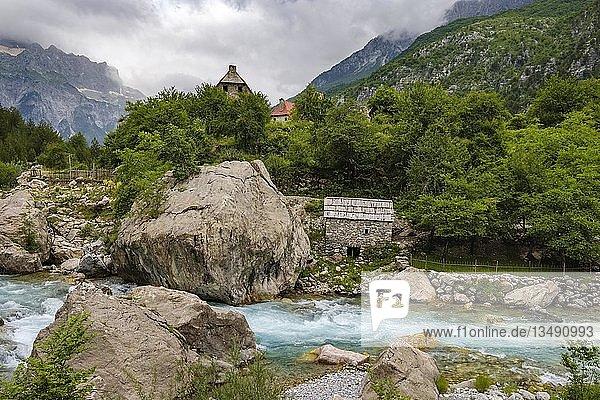 Fluss Theth in Theth  Nationalpark Theth  Albanische Alpen  Prokletije  Qark Shkodra  Albanien  Europa