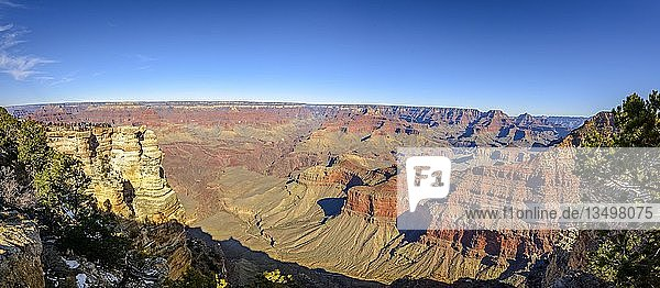 Panorama  Ausblick vom Aussichtspunkt Mather Point  erodierte Felslandschaft  South Rim  Grand-Canyon-Nationalpark  Arizona  USA  Nordamerika