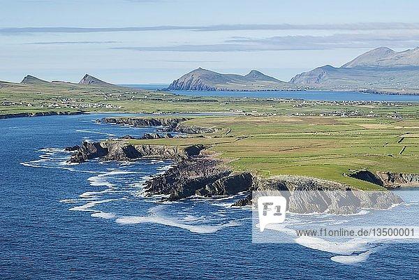 Küstenlandschaft am Atlantik  Dingle Halbinsel  County Kerry  Irland  Europa