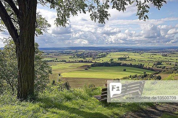 Ausblick von Amöneburg nach Kleinseelheim,  dahinter Großseelheim,  hinten Lahnberge,  Amöneburg,  Landkreis Marbug-Biedenkopf,  Mittelhessen,  Hessen,  Deutschland,  Europa