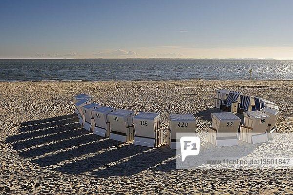 Strandkörbe am Oststrand von Hörnum  Sylt  Nordfriesland  Schleswig-Holstein  Deutschland  Europa
