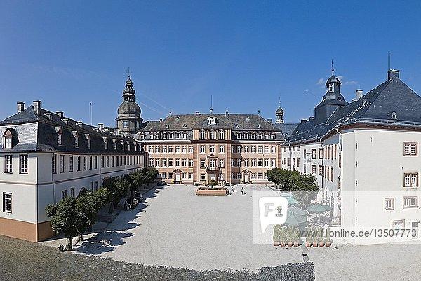 Schloss Berleburg  Bad Berleburg  Luftkurort  Wittgensteiner Land  Kreis Siegen-Wittgenstein  Nordrhein-Westfalen  Deutschland  Europa