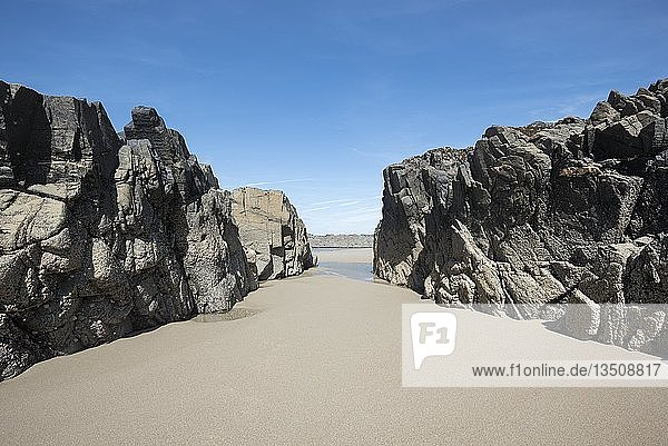 Rock Formation on the sandy beach Saligo Bay  Isle of Islay  Inner Hebrides  Scotland  United Kingdom  Europe