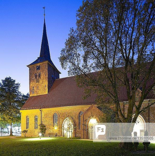 Evangelische Kirche St. Maria Magdalena  Bad Bramstedt  Schleswig-Holstein  Deutschland  Europa