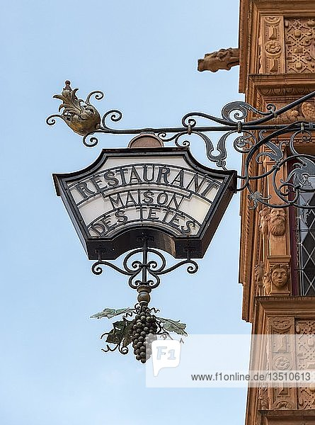 Nasenschild  Restaurant  Maison des Têtes  Colmar  Frankreich  Europa