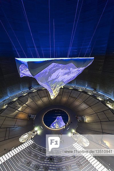 Gasometer Oberhausen  Ausstellung Der Berg ruft  bis Oktober 2019  17 Meter hohe 3-D-Nachbildung des Matterhorns  Oberhausen  Ruhrgebiet  Nordrhein-Westfalen  Deutschland  Europa