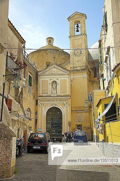 Kirche Abbazia di San Michele Arcangelo in der Oberstadt  Procida  Golf von Neapel  Kampanien  Italien  Europa