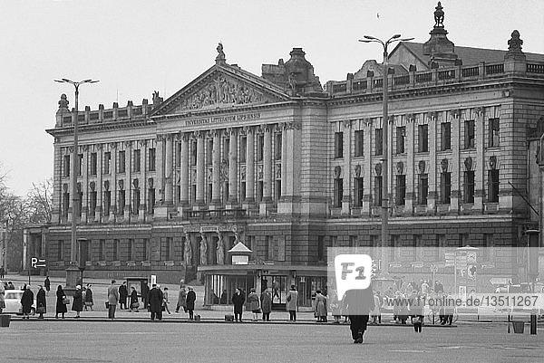 Hauptgebäude der Universität  abgerissen 1968  1962  Leipzig  Sachsen  DDR  Deutschland  Europa