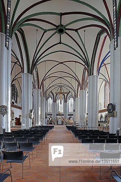 Kirchenschiff der neu renovierten Nikolaikirche  Berlin  Deutschland  Europa