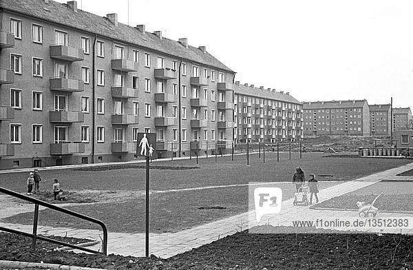 Wohnungsbau  Erste Plattenbauten  1962  Gohlis-Nord  Leipzig  Sachsen  DDR  Deutschland  Europa