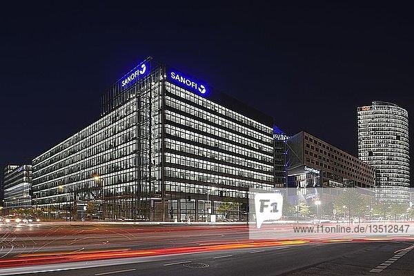 Hauptgebäude des Sony Centers am Potsdamer Platz  abends  Mitte  Berlin  Berlin  Deutschland  Europa