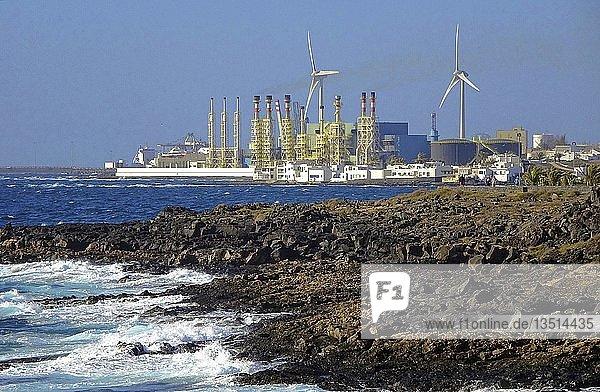 Meerwasser-Entsalzungsanlage von Arrecife  Küste bei Teguise  Lanzarote  Kanarische Inseln  Spanien  Europa