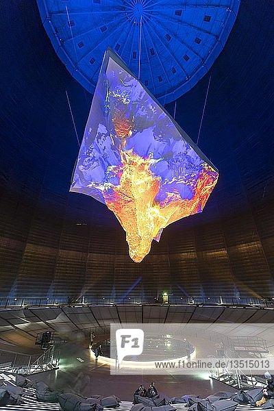 Gasometer Oberhausen  Ausstellung Der Berg ruft  bis Oktober 2019  17 Meter hoher 3-D Nachbau des Matterhorns  Oberhausen  Ruhrgebiet  Nordrhein-Westfalen  Deutschland  Europa
