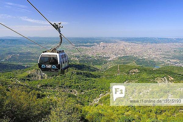 Seilbahn  Ausblick über Tirana vom Berg Dajti  Nationalpark Dajti  Qark Tirana  Albanien  Europa