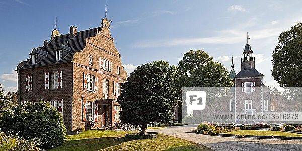Schloss Hertefeld  Weeze  Niederrhein  Nordrhein Westfalen  Deutschland  Europa