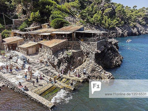 Luftaufnahme  Bucht Cala Deia  Deia  Serra de Tramuntana  Mallorca  Balearische Inseln  Spanien  Europa