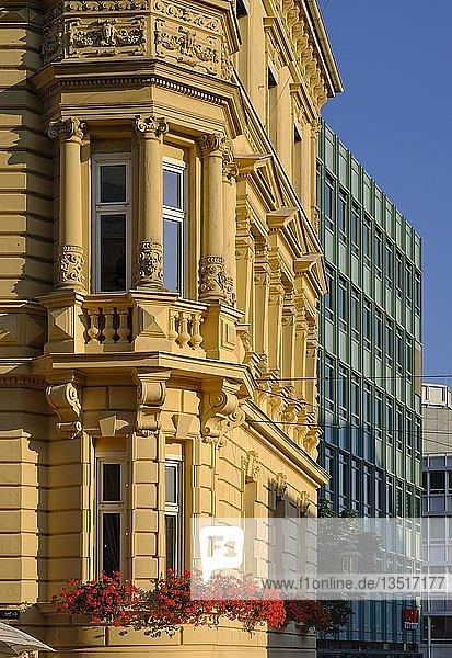 Neurenaissance-Wohnhaus von Ludwig Leybold 1882  Bahnhofstraße 21  Bahnhofs- und Bismarckviertel  Augsburg  Schwaben  Bayern  Deutschland  Europa