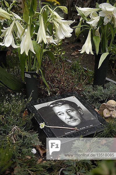 Grab von Helmut Newton in Berlin  Deutschland  Europa