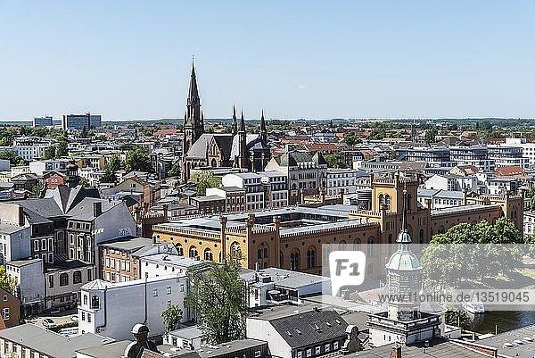 Ausblick vom Dom über die Stadt,  historisches Arsenal,  Ministerium für Inneres und Sport,  Paulskirche,  Schwerin,  Mecklenburg-Vorpommern,  Deutschland,  Europa