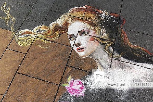 Romantische Frau mit Rose  Porträt  Straßenmalerei  Straßenmaler-Festival Geldern  Geldern  Niederrhein  Nordrhein-Westfalen  Deutschland  Europa