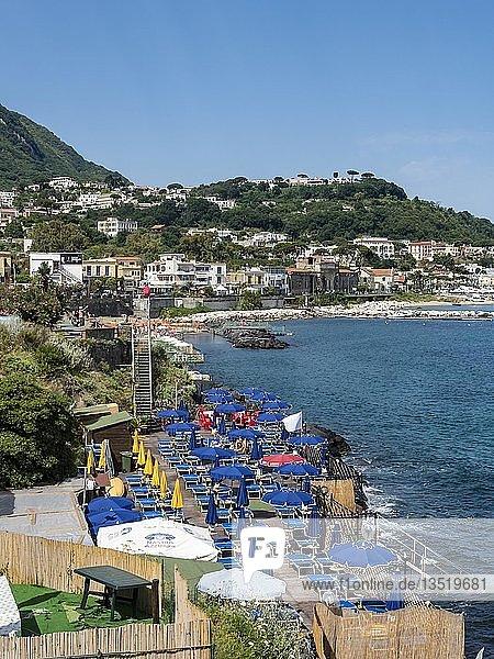 Küstenort Marina di Casamicciola  Insel Ischia  Golf von Neapel  Kampanien  Italien  Europa