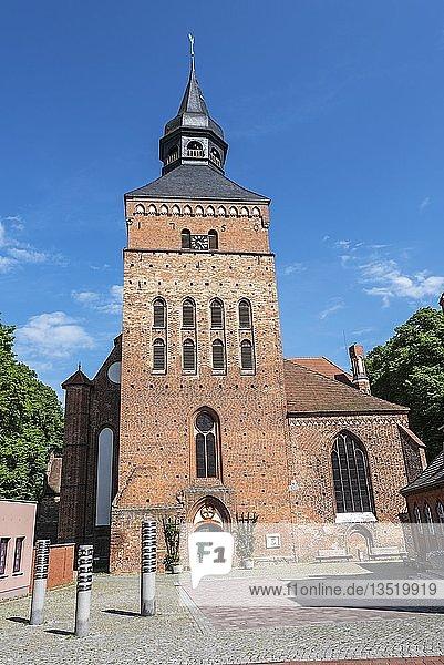Kirche  Backsteingotik  Sternberg  Mecklenburg-Vorpommern  Deutschland  Europa