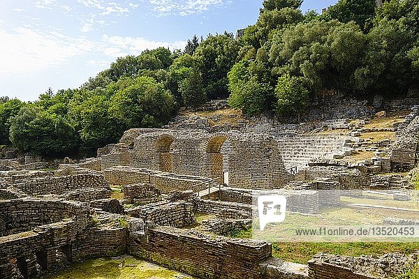 Thermen und römisches Theater  antike Stadt Butrint  Nationalpark Butrint  bei Saranda  Qark Vlora  Albanien  Europa