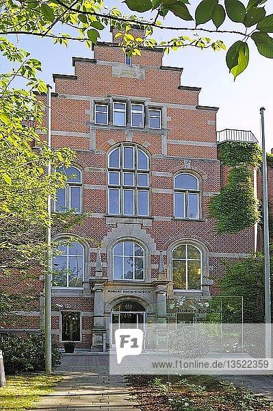 Robert Koch Institut  RKI  Gebäude  Haupteingang  Berlin  Deutschland  Europa