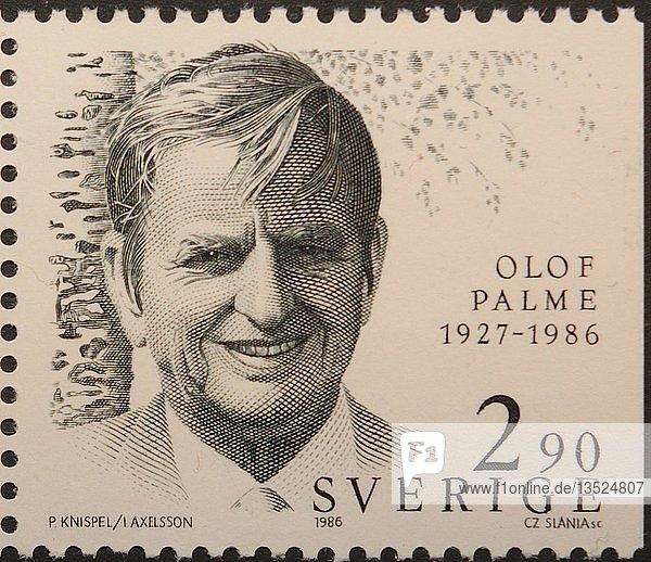 Olof Palme  ein schwedischer Politiker und Premierminister  Porträt auf einer schwedischen Briefmarke  Schweden  Europa