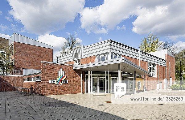 Theater Meppen und Aula des Windthorst-Gymnasiums  Meppen  Emsland  Niedersachsen  Deutschland  Europa