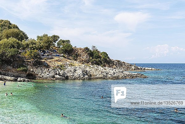 Strand  Kassiopi  Insel Korfu  Ionische Inseln  Mittelmeer  Griechenland  Europa