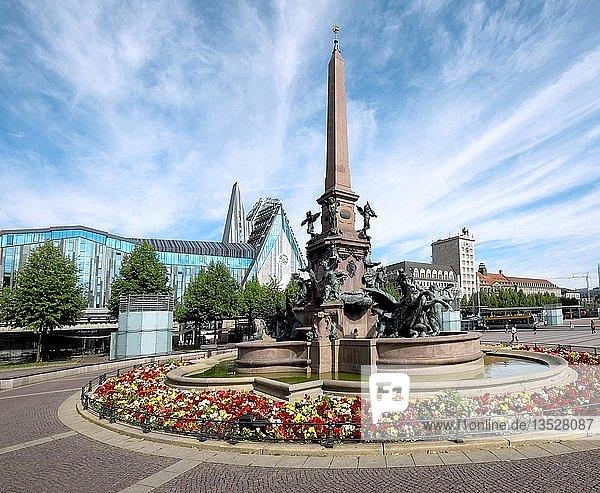 Mendebrunnen  Augustusplatz  Leipzig  Sachsen  Deutschland  Europa