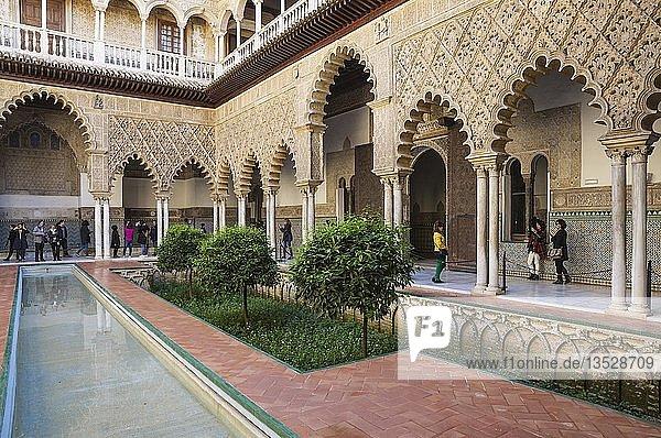 Patio de Las Doncellas  Hof der Junfrauen  Alcazar von Sevilla  Sevilla-Provinz  Andalusien  Spanien  Europa