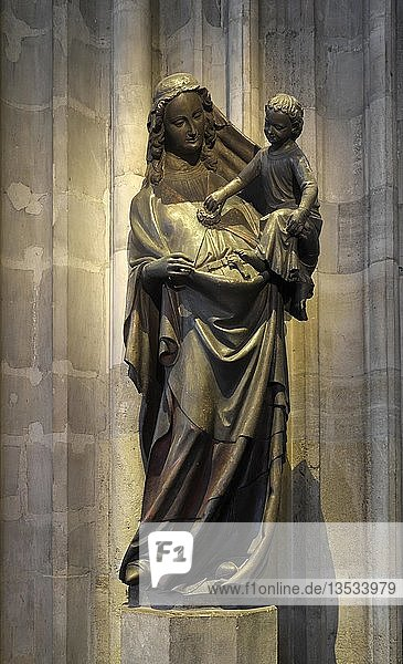 Madonnenfigur  Stephansdom  Domkirche St. Stephan  Wien  Österreich  Europa