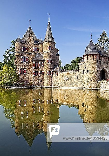 Burg Satzvey  Mechernich  Nordeifel  Eifel  Nordrhein-Westfalen  Deutschland  Europa