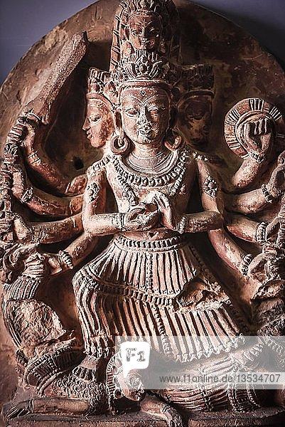 Hinduistische Gottheit  Antike Stein Stele  Nationalmuseum  Kathmandu  Himalaya Region  Nepal  Asien Hinduistische Gottheit, Antike Stein Stele, Nationalmuseum, Kathmandu, Himalaya Region, Nepal, Asien